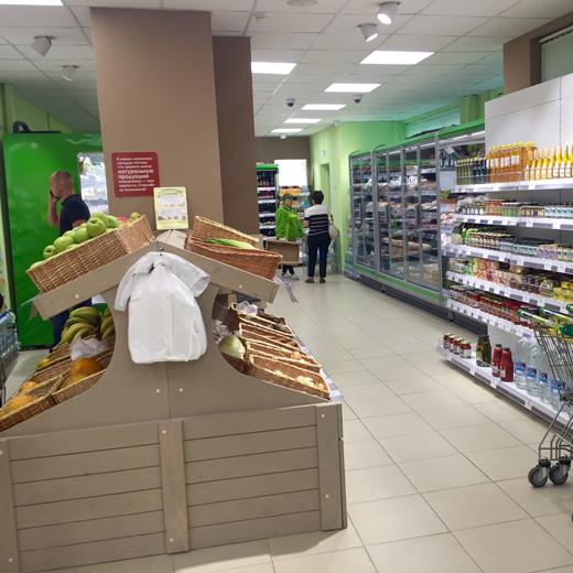 Стеллажи для овощей и фруктов - фото реализации проекта в магазине